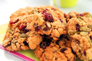 Cranberry, chocolate and pumpkin seed cookies