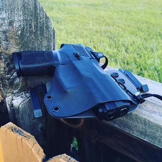 #guns#gun#handgun#gunholster#bestkydexholster#kydexholster#holster#adjustableonthefly#toolfree#notoolsrequired#weaponholster#owb#iwb#chestrig#22point5#america#usa#americanmade#2a#concealedcarry#opencarry#instaguns#sheepdog#sig #sigsauer #sigsauerp320
