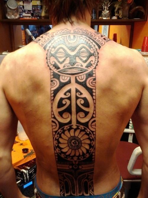 Cool Polynesian Tattoo on Back #tattoosformenonback #samoantattoosback #samoantattoosdesigns