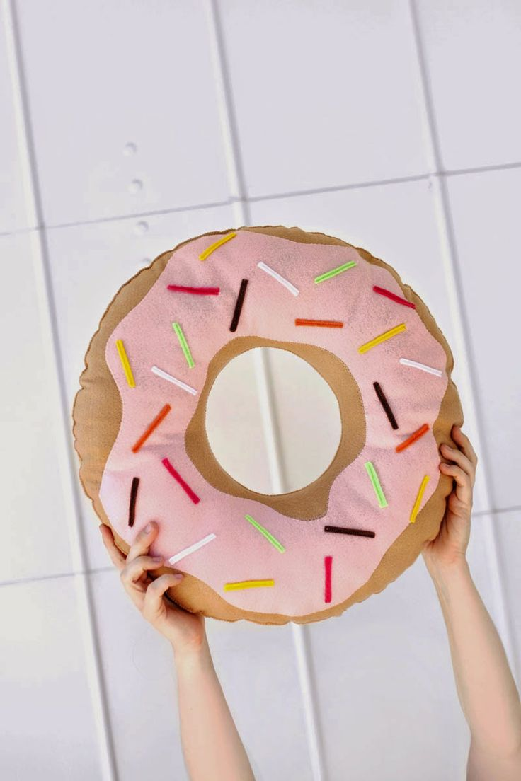 Daily D3sign: DAILY DESIGN: Poduszka Donut DIY