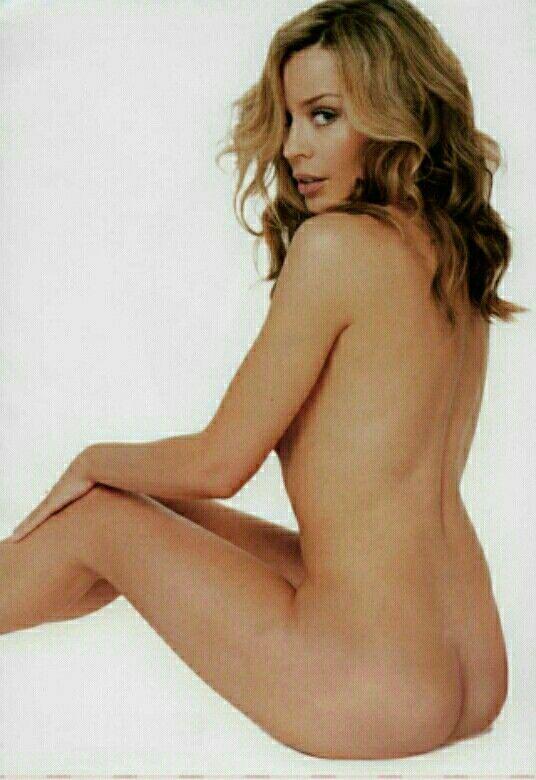 Kylie Minogue ; sans petite culottes.