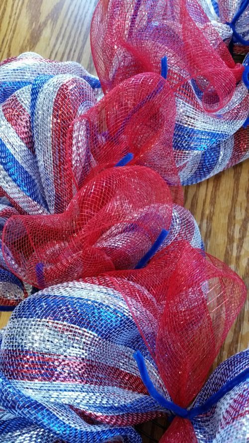 Big Bear's Wife: 4th of July Deco Mesh Wreath Tutorial / Memorial Day Deco Mesh Wreath Tutorial