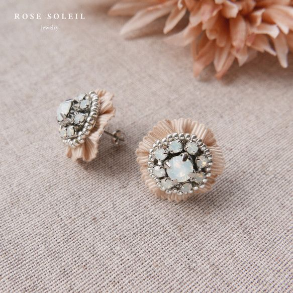 ✧ Crystal Ribbon Pierce ✧ Blossom Wind Collection - Rose Soleil Jewelry のスワロフスキークリスタルとリボンピアス