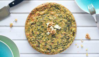 Korstloze quiche met spinazie, blauwe kaas en vijgen