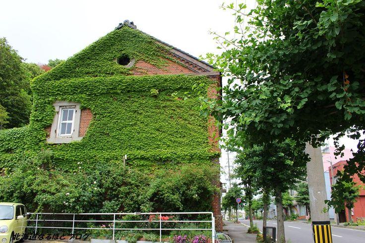古いレンガ造りの家