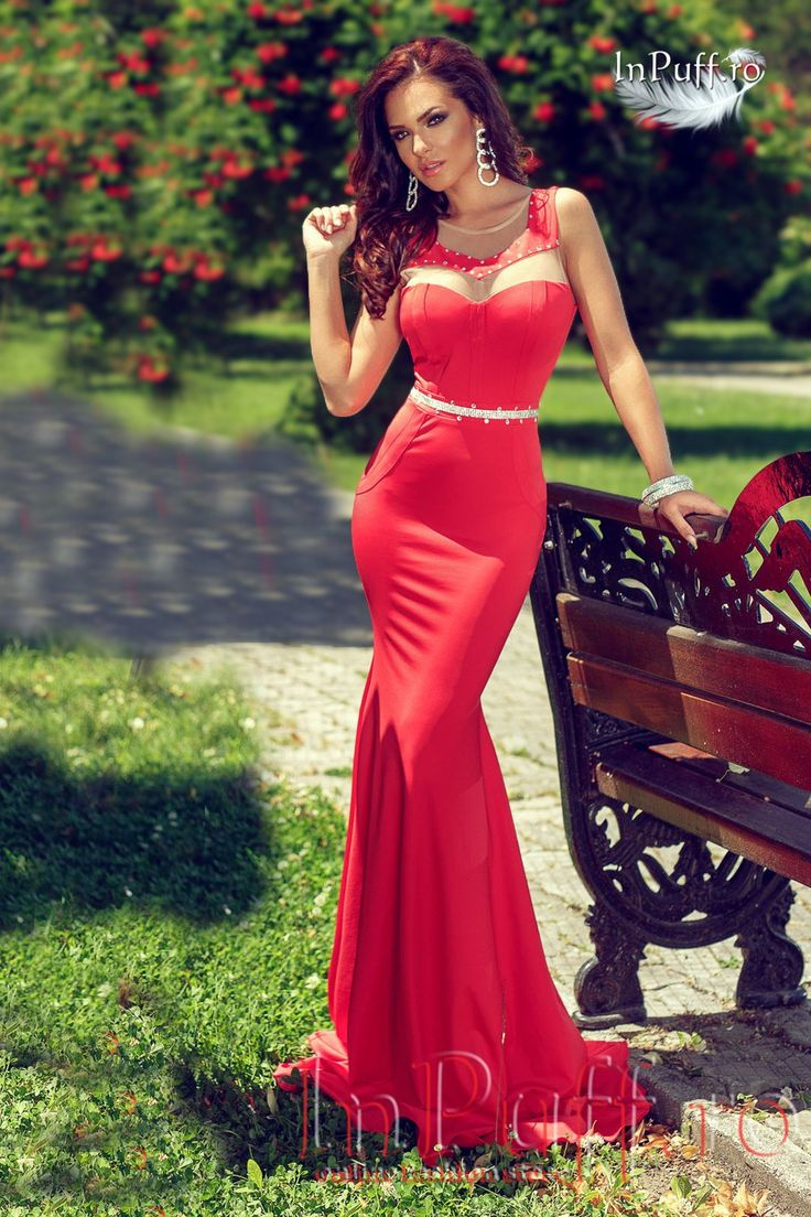 Rochie lunga de seara din lycra rosie rochie eleganta de seara rochie din lycra rosie bust buretat cu push-up tul in partea de sus se incheie cu fermoar la spate strasurii argintii in talie lungime de sub brat: 150 cm