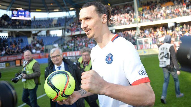 """LIGUE 1 - Interrogé sur le futur de Zlatan Ibrahimovic, Nasser Al-Khelaïfi a indiqué qu'il voulait que l'attaquant suédois, en fin de contrat en juin prochain, reste au Paris Saint-Germain. """"On va parler"""", a expliqué le président du PSG."""