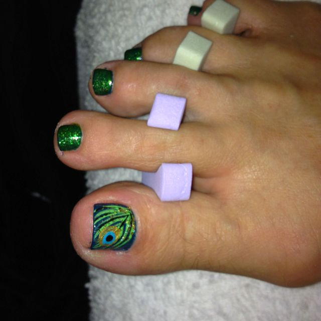 Peacock nail art for toes @Tina Doshi Paulsen Antle