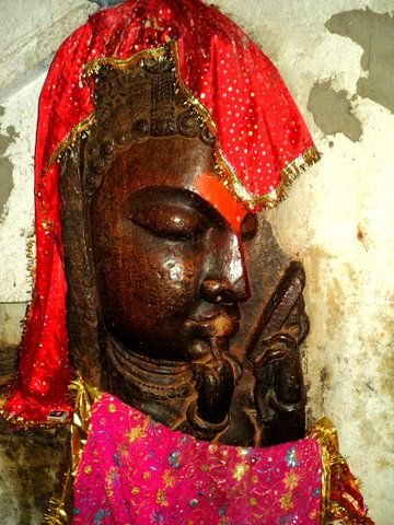 image is in a tunnel through which Rani Padmini went to commit Jauhar. The tunnel is called Rani Bindar Tunnel.