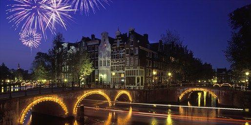 179 € -- Silvester in Amsterdam mit Party & Nacht auf Schiff