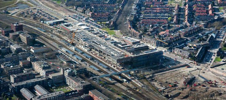 2014: nieuwe station in aanbouw, op achtergrond de Belcrum