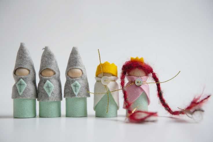 knights, queen, king, princess, handmade toys, castle, wooden, felt