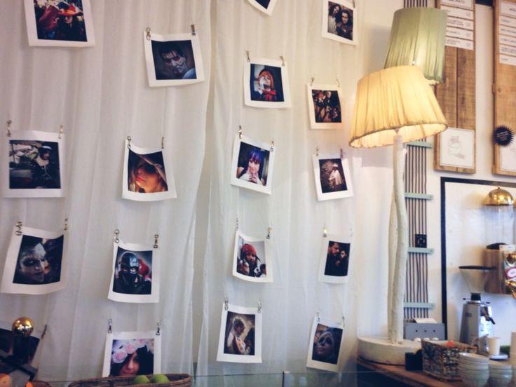 #BASSANOFOTOGRAFIA15 - #LIBERAMENTE - Anche noi contribuiamo all'esposizione fotografica che si terrà a Bassano dal 19 Sett. all'8 Nov. ed esibiamo all'interno della nostra bottega le coloratissime foto di @MonicadeMas.. passate a dare un'occhiata! Vi aspettiasmo! - #art #photo #show #concorso