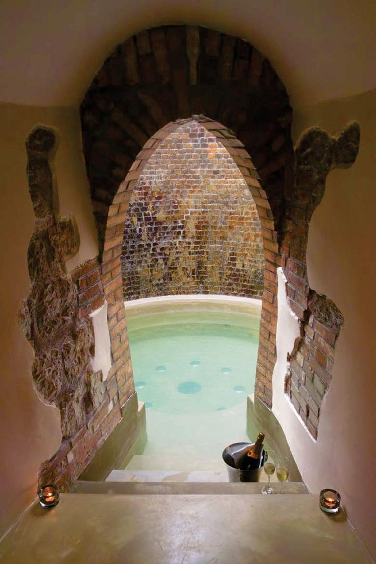 This reminds us of Rome and the old ages. #crystalblue #water #pool Aquapetra Spa Resort, Italy