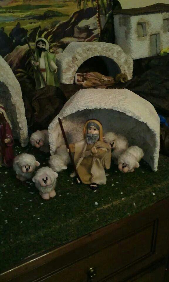 Pastore,pecore,pastore che dorme e contadino in porcellana fredda