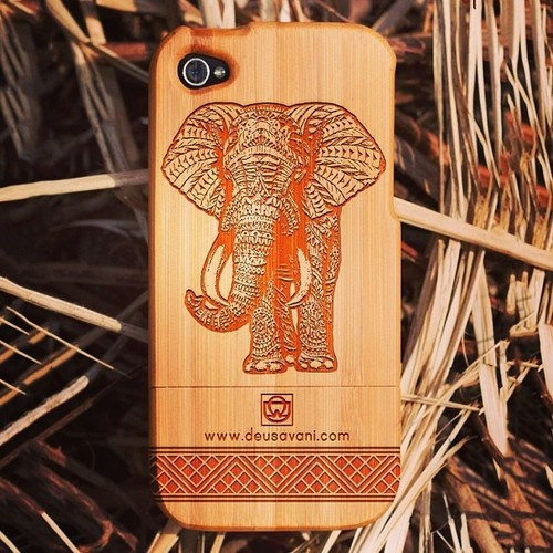 1st Edition Slide in secure fit Engraved design Shock & impact protection Bamboo Case for iPhone 5