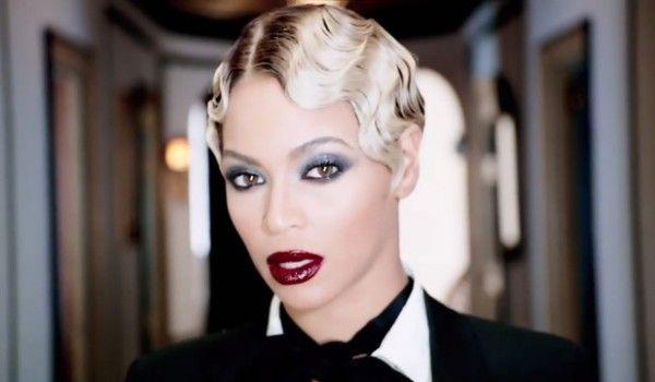 "Get The Look: Beyonce's Gunmetal Eyeshadow and Oxblood Lips in ""Haunted"" Video"