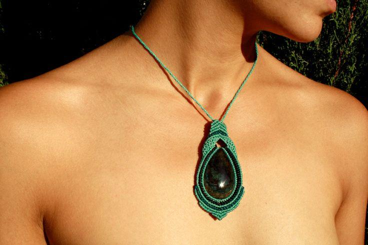 Colgante de macram turquesa con piedra obsidiana de naran - Colgantes de macrame ...