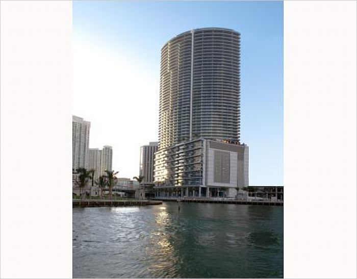 $590000 - Miami, FL Home For Sale - 200 Biscayne Blvd Way -- http://emailflyers.net/41498