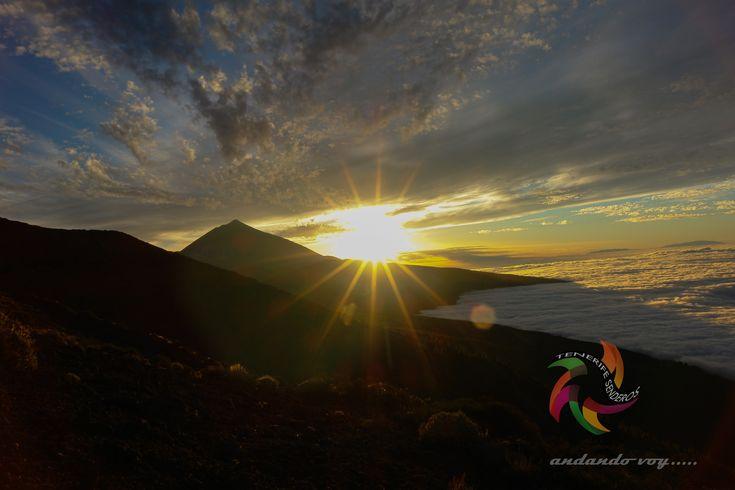 Sunset  y mar de nubes #tenerife #trekking #hiking #hike #outdoors #landscape #teide #sunrise #sunset #nature #snow #tenerifesenderos #heritage #paisajes #fotostenerife