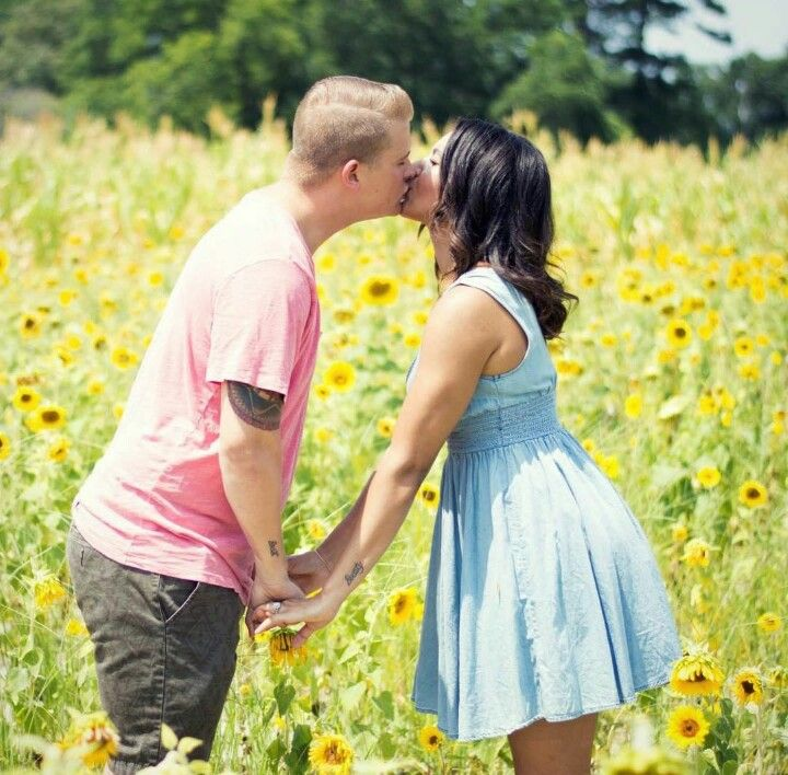 lenni black dating site Soulsinglescom is a black personals site designed to help you meet black people we are a proven black dating site that helps african american singles find long.