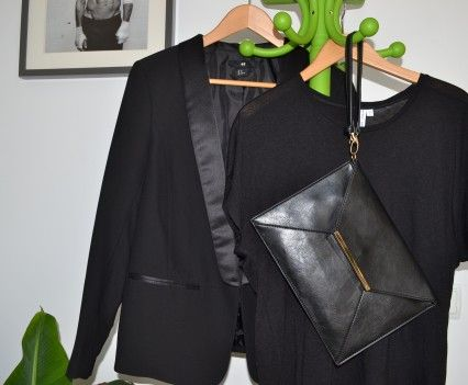 Black. Minimal and chic