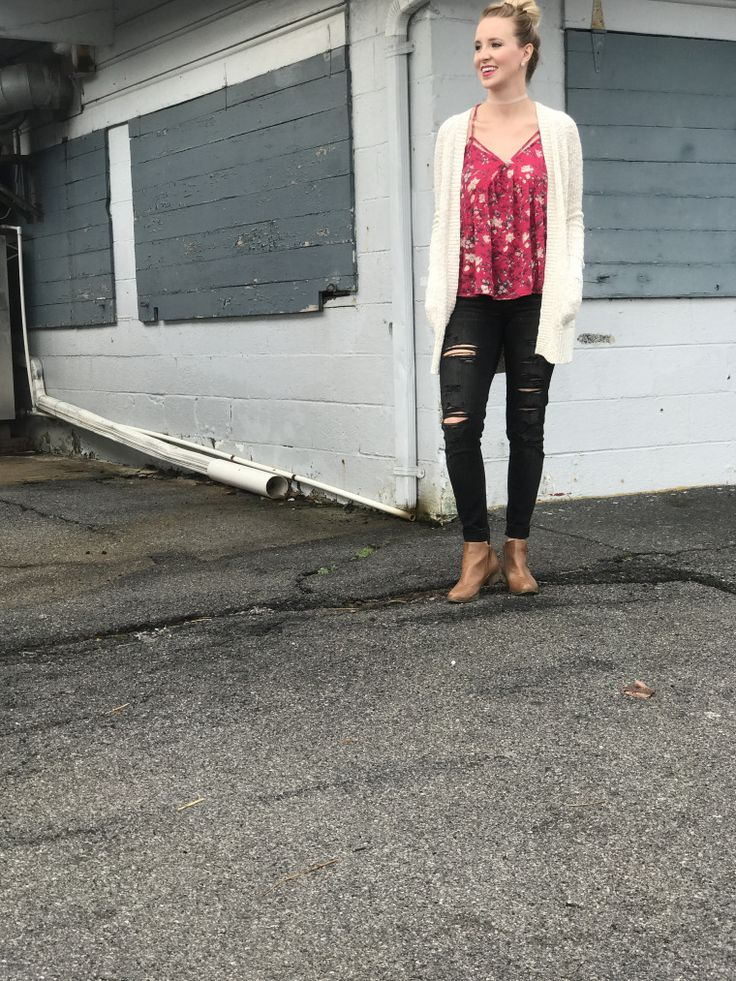 Distressed jeggings from American Eagle. Shop this entire look from my blog!