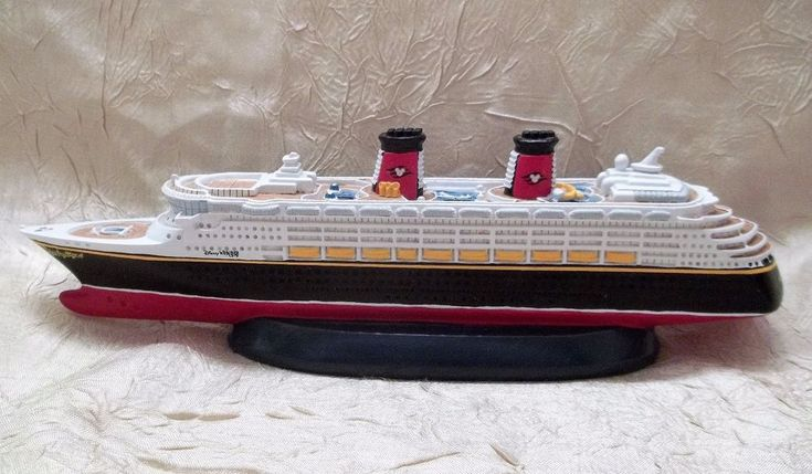 Disney Cruise Line WONDER DCL Scale Model Ship Replica Official Disney Product