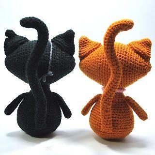 Free Amigurumi Crochet Kitty Cat Pattern ✿⊱╮Teresa Restegui http://www.pinterest.com/teretegui/✿⊱╮