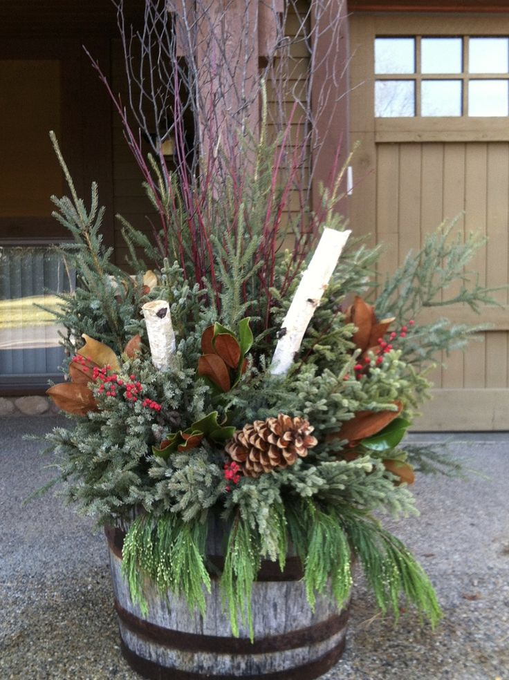 17 best images about winter holiday ideas on pinterest for Yard planter ideas