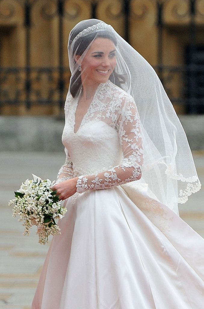 Best moment of the wedding for me was when she stepped out of the coach and I saw she went with Sarah Burton for Alexander McQueen.  BRILLIANT.