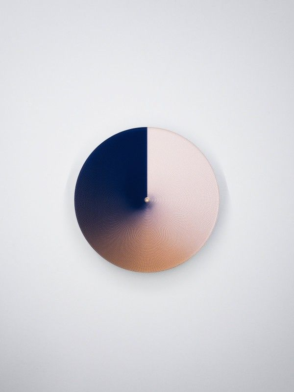 Daan Spanjers explores transitional qualities of colour and time.