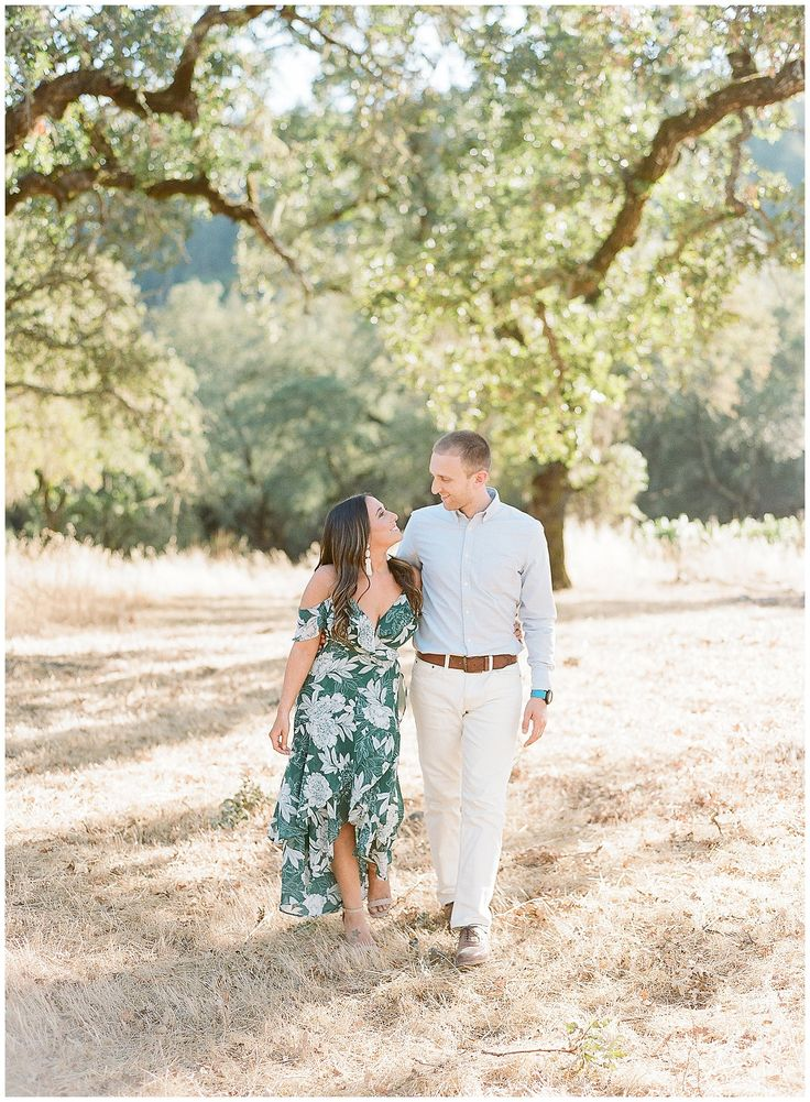 Stephanie & Jake: A Napa Engagement Session at Castello di Amorosa – Engagement Outfits