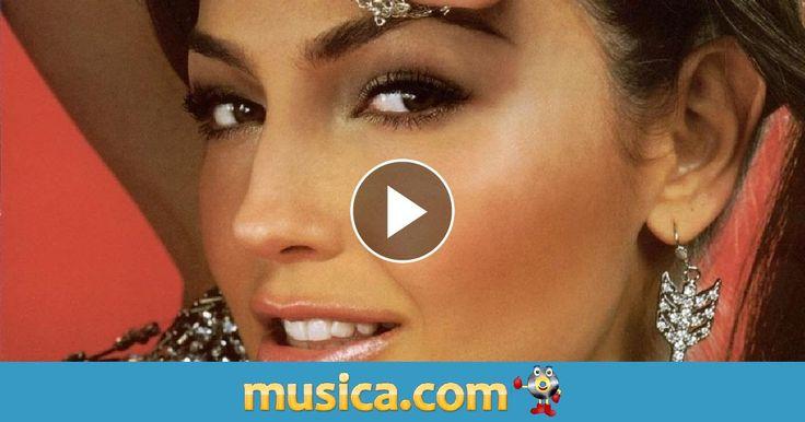 Vídeo musical 'Baila Morena' de Julio Iglesias.