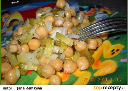 Rychlý cizrnový salát od Pejli recept - TopRecepty.cz