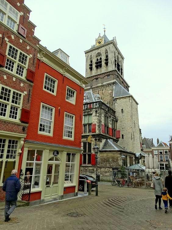 Delft - De Camaretten, achterkant van stadhuis (2015)