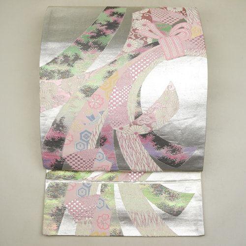 Silver and pink, silk fukuro obi / 銀色すり箔地に古典柄の袋帯 http://www.rakuten.co.jp/aiyama #Kimono #Japan #aiyamamotoya