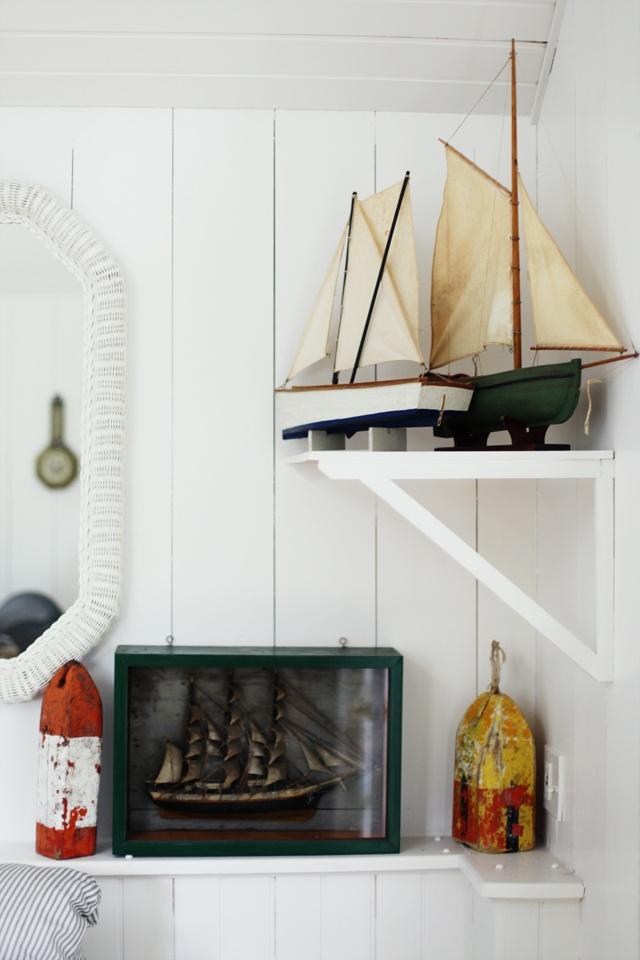 Dekoracje marynistyczne, żeglarskie prezenty, morskie dodatki: Nautical Decor, Beachfront Cottages, Coastal Decor, Nifti Nautical, Tiny Cottages, Nautical Design, Cod Cottages, Nautical Details, Colors Nautical