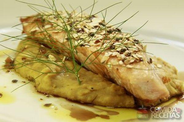 Receita de Bacalhau grelhado com purê de maçã em receitas de peixes, veja essa e outras receitas aqui!