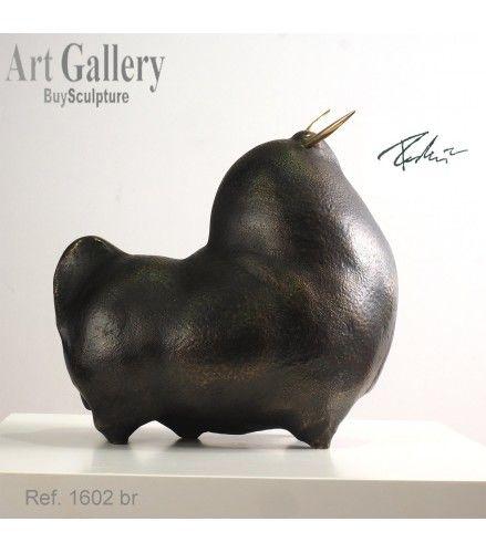 Escultura Toro 'Orgulloso' del escultor Pedrín