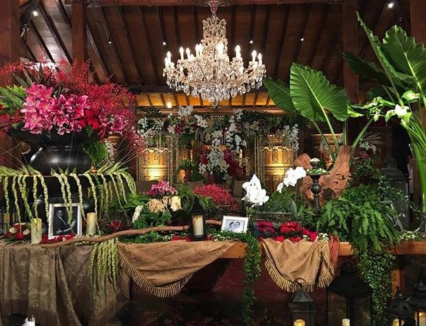 33 best wedding decorations images on pinterest wedding the regal consul junglespirit Images