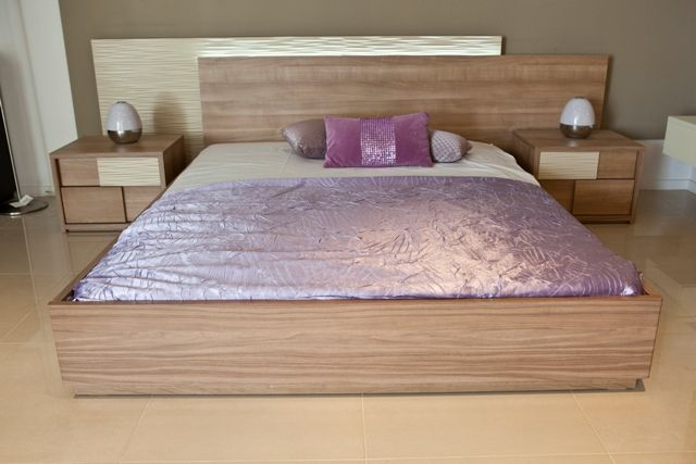 Exquisite design that is complimented by shades of purple. Discover your style in www.kazakidis.gr