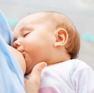 Eine ausgewogene Ernährung ist das A und O. Lesen Sie mehr über die Muttermilch, Diäten nach der Schwangerschaft und Lebensmittel im Allgemeinen - real.de