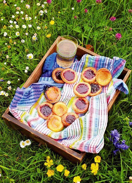 Rezept: http://www.jamiemagazin.de/rezepte/bunte-marmeladent%C3%B6rtchen-180