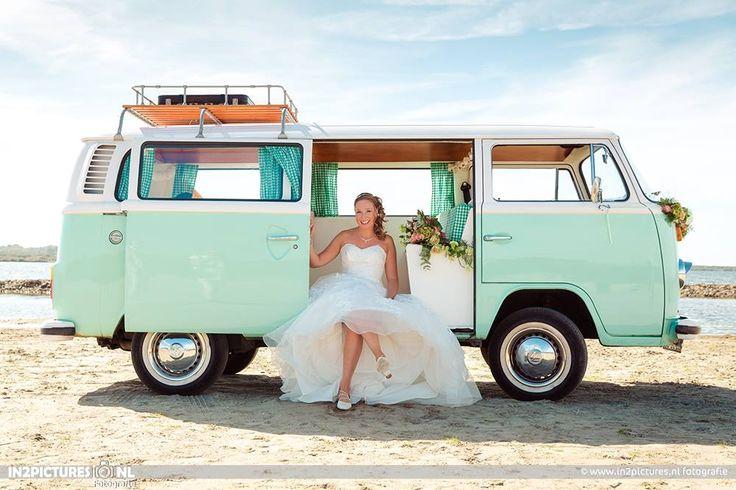 Minty Wedding? Minty Volkswagen Van.   Mint kleurige trouwplannen? Deze Minty Volkswagenbus pas daar perfect bij!