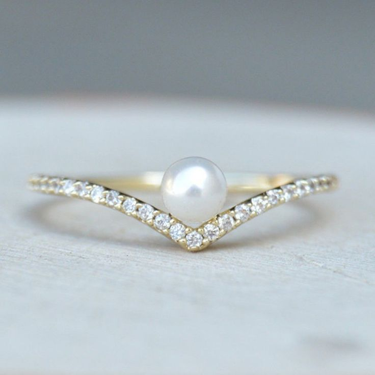 cool 27 Glamour But Inexpensive Engagement Ring That You Can Expected  https://viscawedding.com/2017/04/15/glamour-inexpensive-engagement-ring-can-expected/