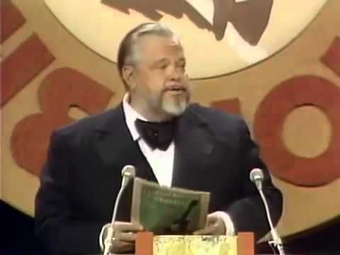 Orson Welles on Dean Martin's Singing Career - YouTube