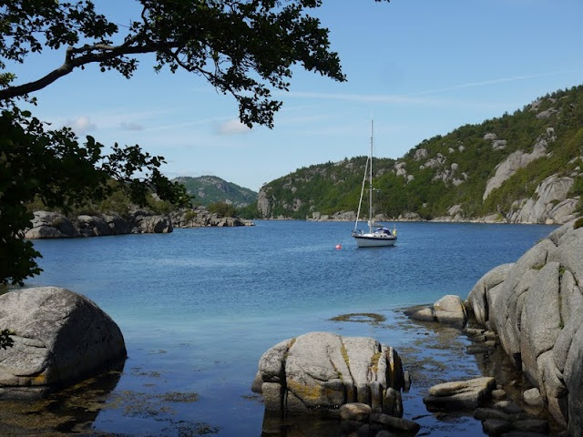 S/Y Dolphin Dance sailing blog | a Finnish Hallberg-Rassy 29 sailing in the Northern Europe: Kristiansand-Egersund - Imsoysundet