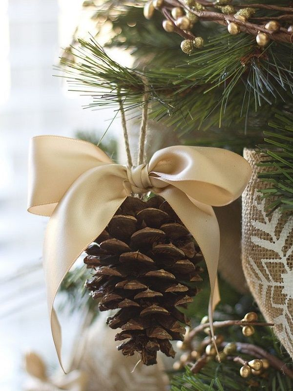 DIY acorn ornaments.