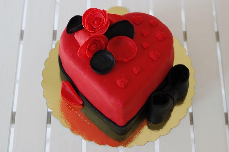Sevginizi anlatan, sizlere özel, sizin isteğinize göre hazırlanmış tasarım pastalar... Sevgililer Günü hediyeleri, fikirleri; Valentines Day Gifts, Ideas